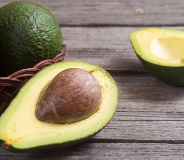Как выбрать авокадо и ускорить его дозревание